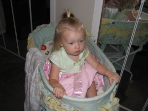 Makenna in bassinet 001